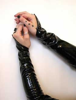 Gloss Loop Gloves